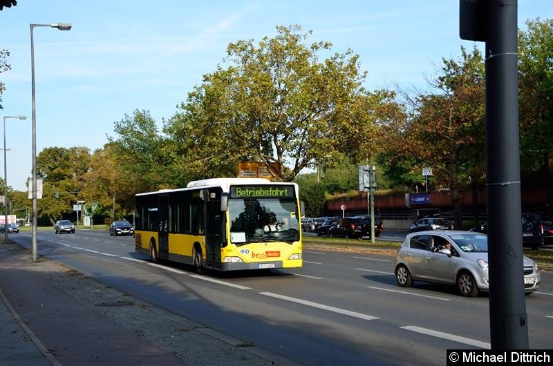 1457 als Betriebsfahrt auf dem Altstädter Ring in Richtung Rathaus Spandau.