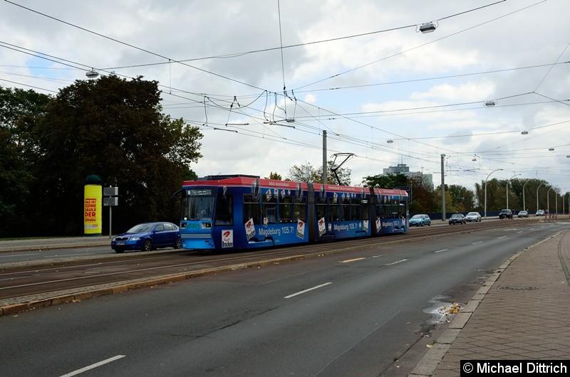 1344 als Linie 6 in der Ernst-Reuter-Allee auf dem Weg zum Alten Markt.