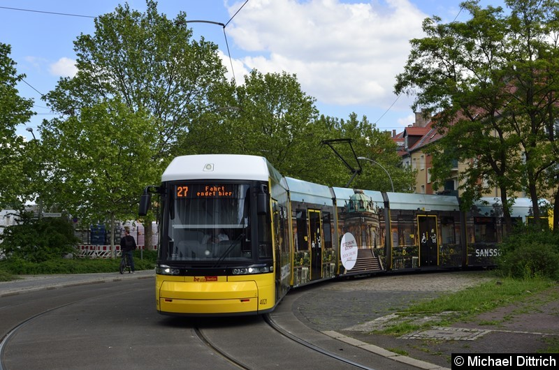 F6Z 4021 als Linie 27 in der Wendeschleife Pasedagplatz.