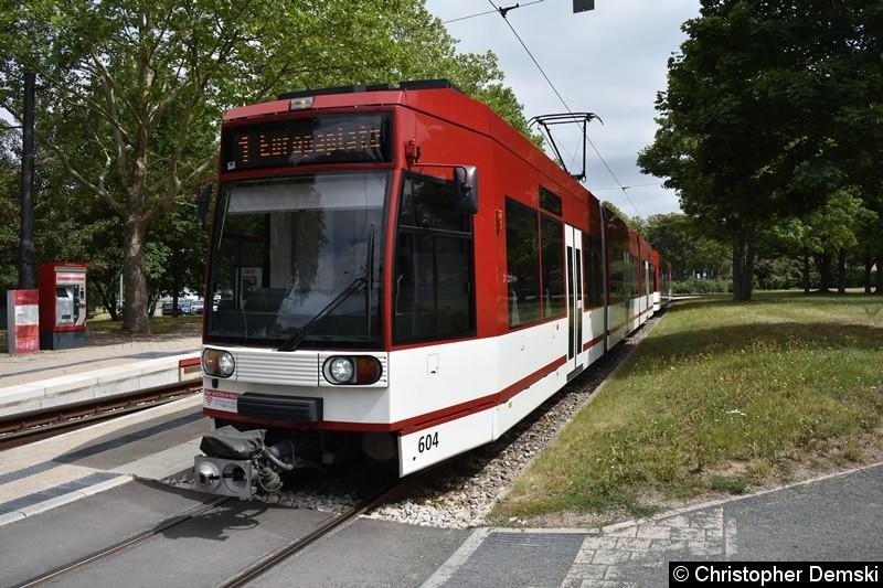 TW 604+602 als Linie 1 an der Thüringenhalle.