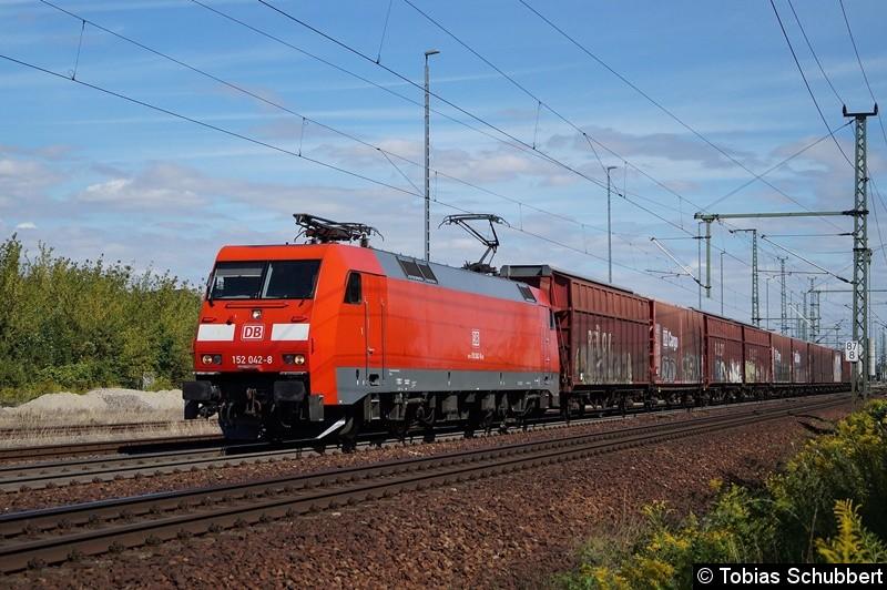 152 042-8 mit einem Güterzug bei Weimar.