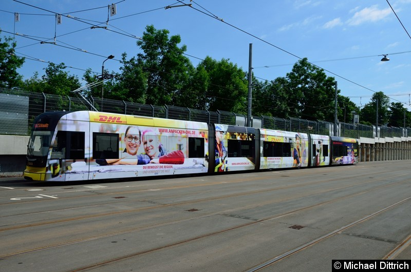 TW 1203 als Linie 11 auf dem Betriebshof Dölitz.  Aufgenommen bei einem Pressetermin der LVB.
