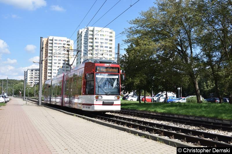 TW 606 als Linie 5 in Richtung Hauptbahnhof am Roten Berg.