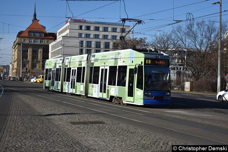 TW 1113 als Linie 9 kurz vor der Haltestelle Hauptbahnhof