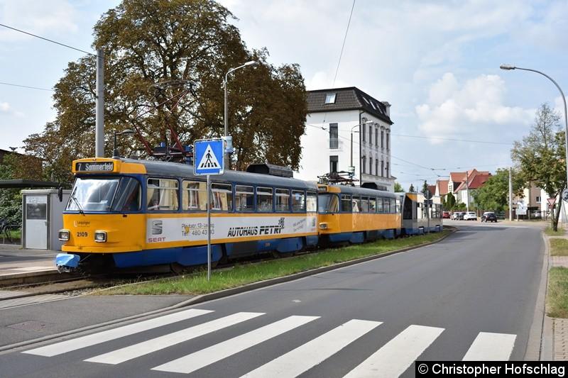 TW 2109+2157+906 als Linie 7 an der Endstelle Böhlitz-Ehrenberg.
