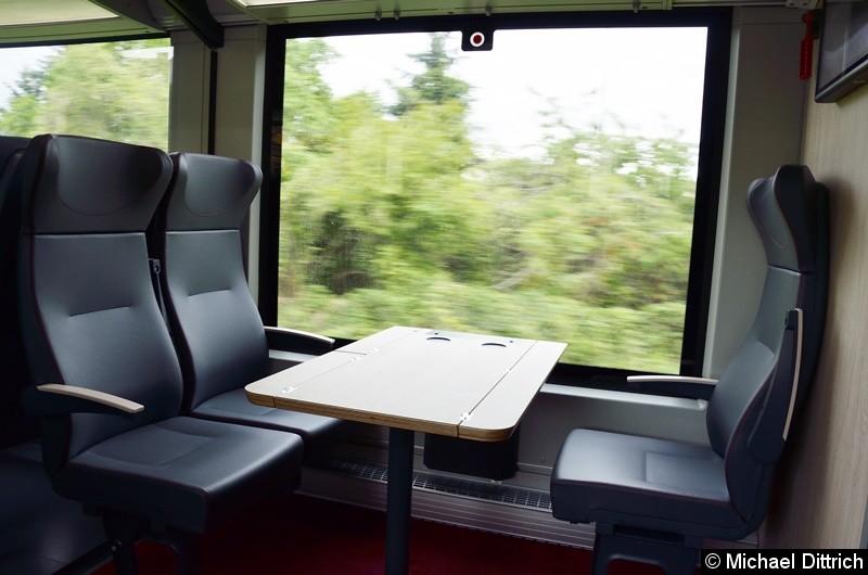 Bild: Noch einmal ein Gesamtblick auf die Sitzkombination der ersten Klasse.