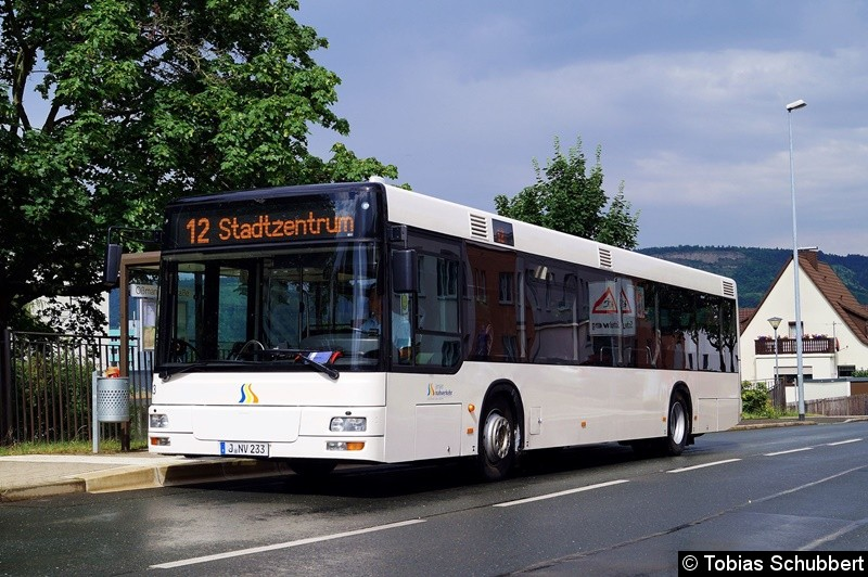Wagen 233 als Linie 12 an der Haltestelle Oßmaritzer Straße.