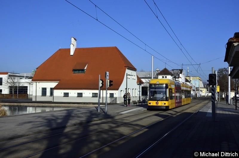 2511 als Linie 10 an der Haltestelle Messe.
