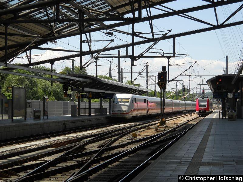 Bild: ICE 401 507  bei der Durchfahrt in Erfurt.