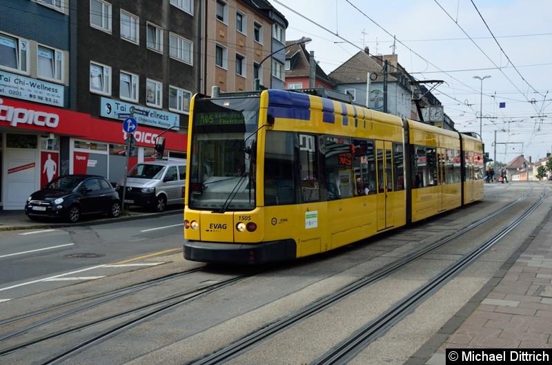 1505 als Linie 105 auf dem Weg nach Rellinghausen, Finefraustr. in der Altendorfer Str., Höhe der Haltestelle Helenenstr.