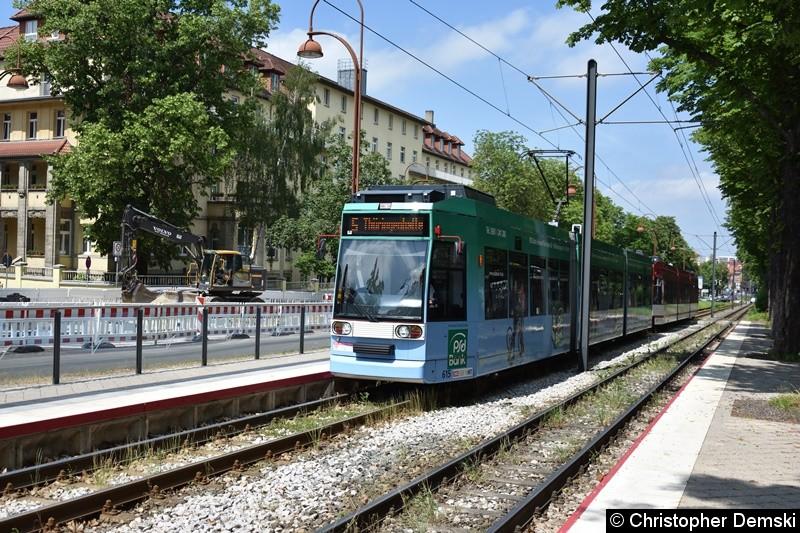 TW 615+613 als Linie 5 bei der Einfahrt in die Haltestelle Humboldtstraße.