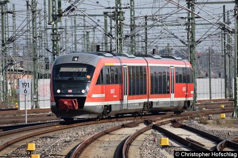 642 522 als RE2 bei der Einfahrt in Erfurt Hauptbahnhof