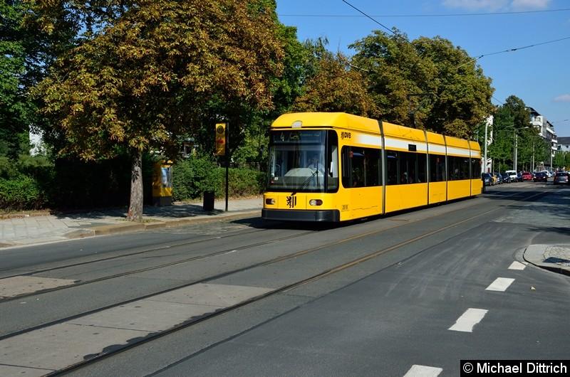 2518 als Linie 4 an der Haltestelle Krankenhaus St.-Joseph-Stift.