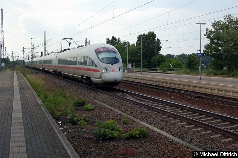 Bild: 411 051 auf dem Weg in Richtung Berlin bei der Durchfahrt in Nauen.