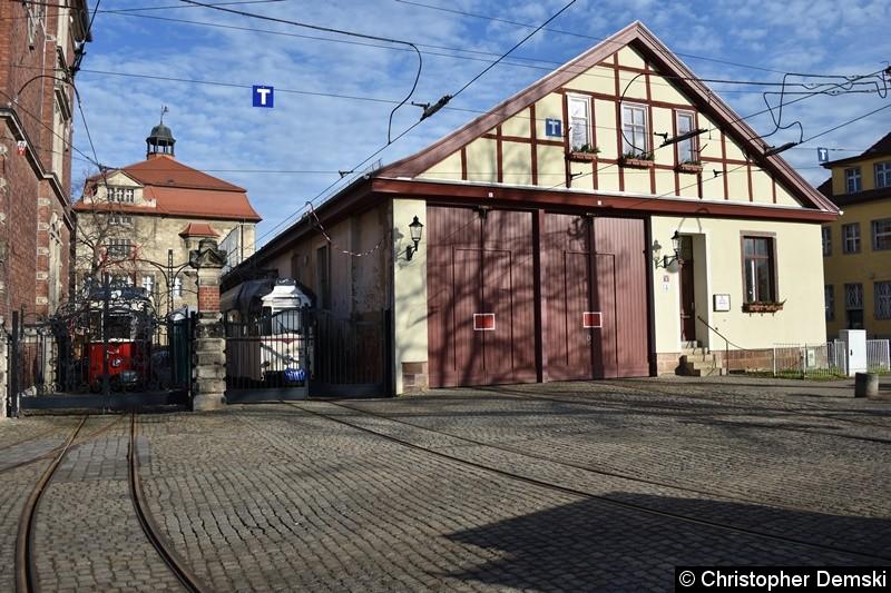 Hier auf den Foto, kam man das kleine Straßenbahn-Depo in Naumburg sehen.