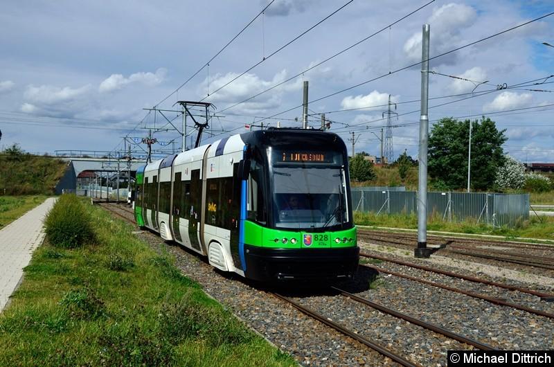Wagen 828 als Linie 8 kurz vor der Haltestelle Turkosowa.