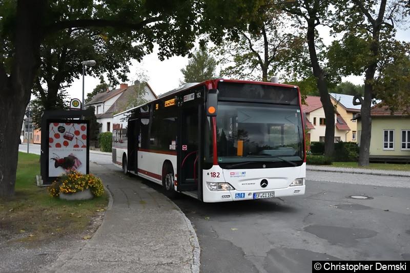 Wagen 182 als Linie 51 an der Endstelle Schloss Molsdorf