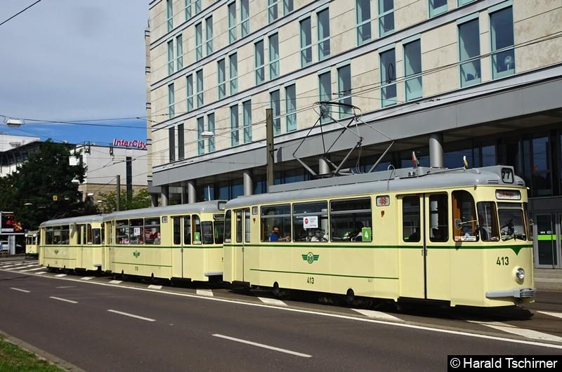Im Rahmen eines Korsos fuhr der historische Gotha-Zug bestehend aus Triebwagen 413 und den Beiwagen 519 und 509. Hier zwischen den Haltestellen Hauptbahnhof und City-Carré. Der zweite Beiwagen (509) wurde später abgehängt.
