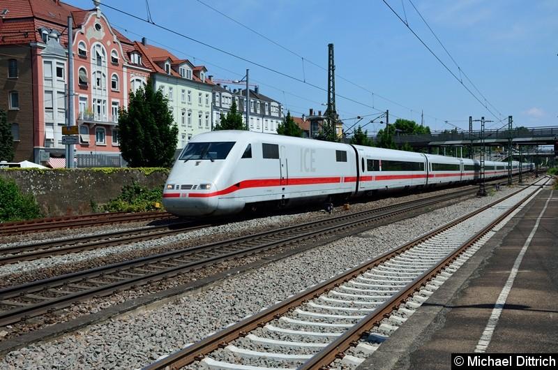 Bild: 401 054 bei der Durchfahrt in Esslingen (Neckar).