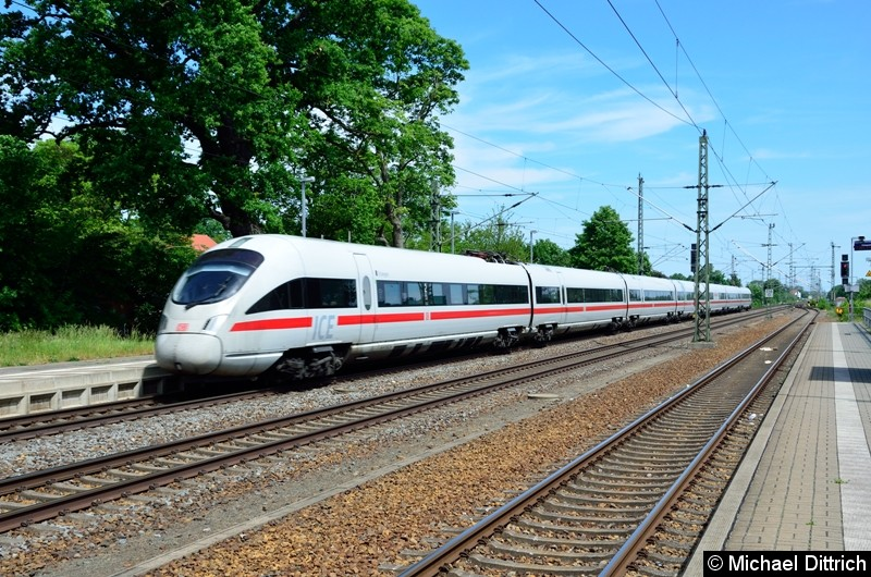 411 517 als ICE 1609 auf dem Weg nach München in Gräfenhainichen.