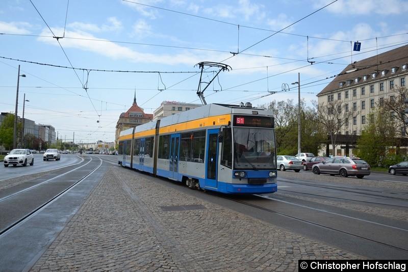 TW 1101 als Linie 51 am Hauptbahnhof