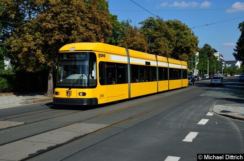 2509 als Linie 10 an der Haltestelle Krankenhaus St.-Joseph-Stift.
