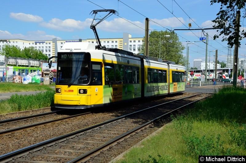 198 als Linie M17 hinter der Haltestelle Allee der Kosmonauten/Rhinstraße.