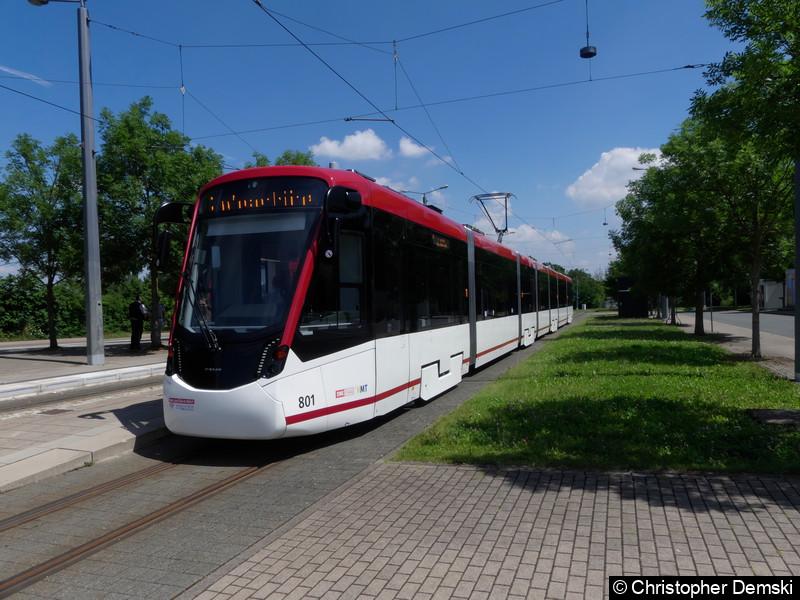 TW 801 als Linie 2 an der Haltestelle P+R-Platz Messe.