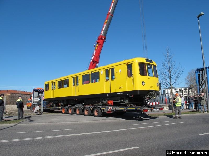 Bild: Wagen 2021 wird angeliefert.