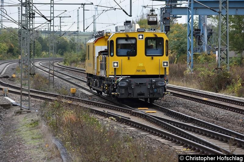 705 201 bei der Durchfahrt in Erfurt-Bischleben.