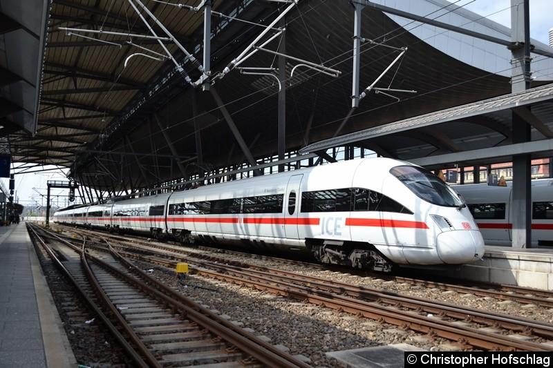 411 010 als ICE nach Berlin in Erfurter Hauptbahnhof.