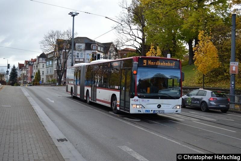 Wagen 434 als Linie 9 in Bereich Schillerstraße/Hauptbahnhof.