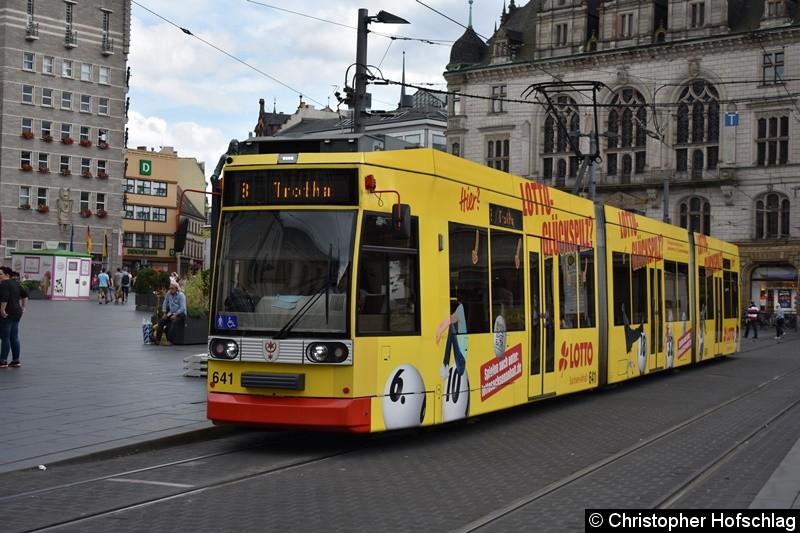 TW 641 als Linie 8 am Marktplatz