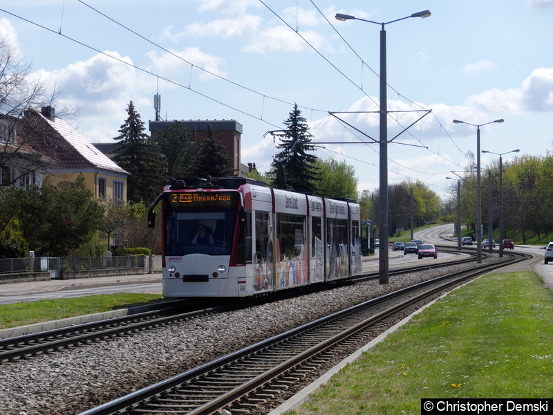 TW 626 als Linie 2 in Richtung Messe auf der Kranichfelder Straße.