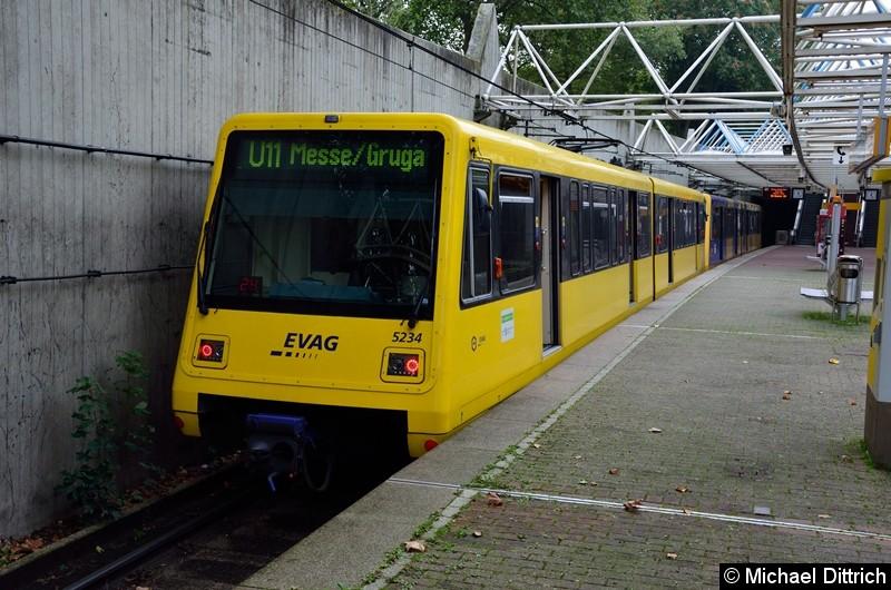 5234 + 5227 als Linie U11 an der Endstelle Messe/Gruga.
