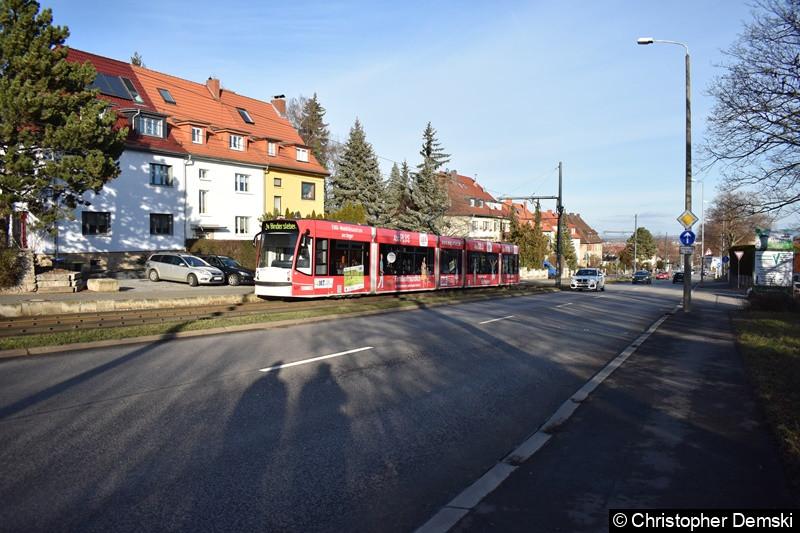TW 637 als Linie 4 unterwegs zwischen den Haltestelle Gamstädter Weg und Nibelungenweg.