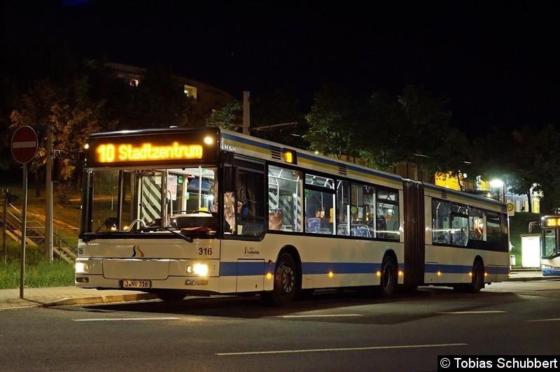 Wagen 316 als Linie 10 an der Haltestelle Lobeda Ost.