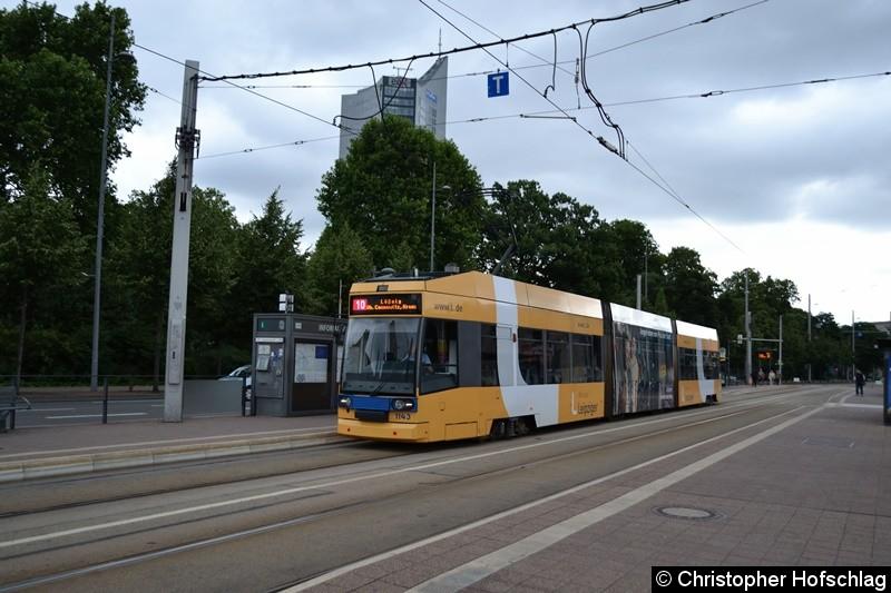 TW 1143 als Linie 10 am Wilhelm-Leuschner-Platz
