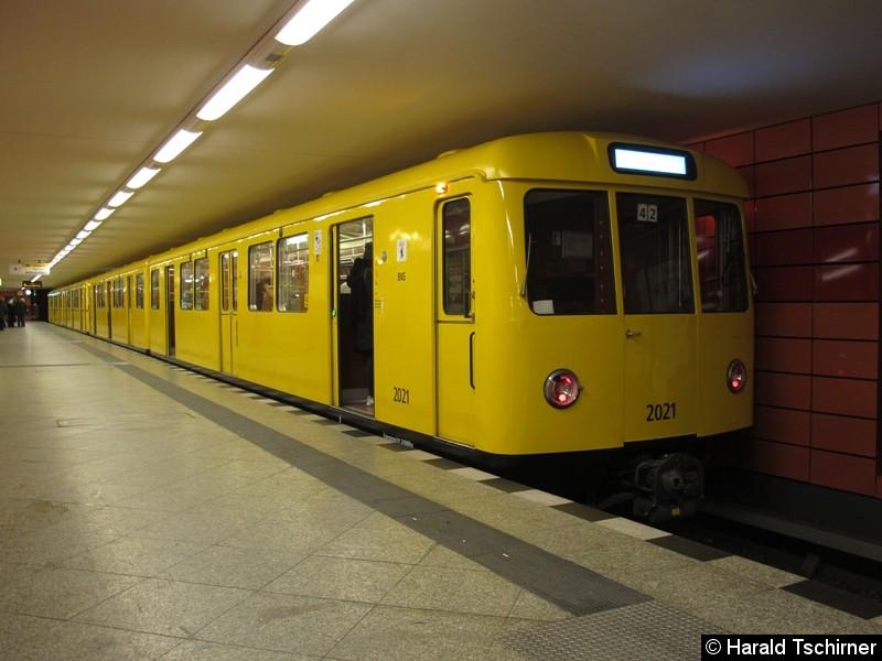 Bild: Im Bahnhof Frankfurter Allee