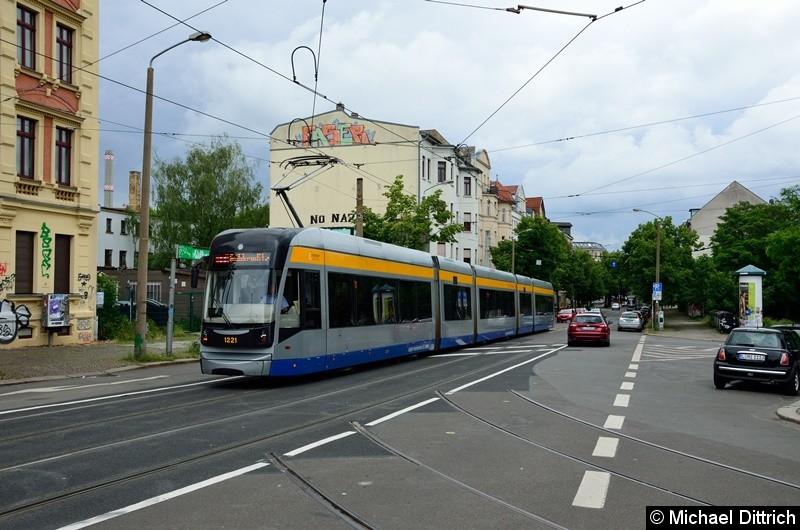 1221 als Linie 11 kurz vor dem Connewitzer Kreuz.