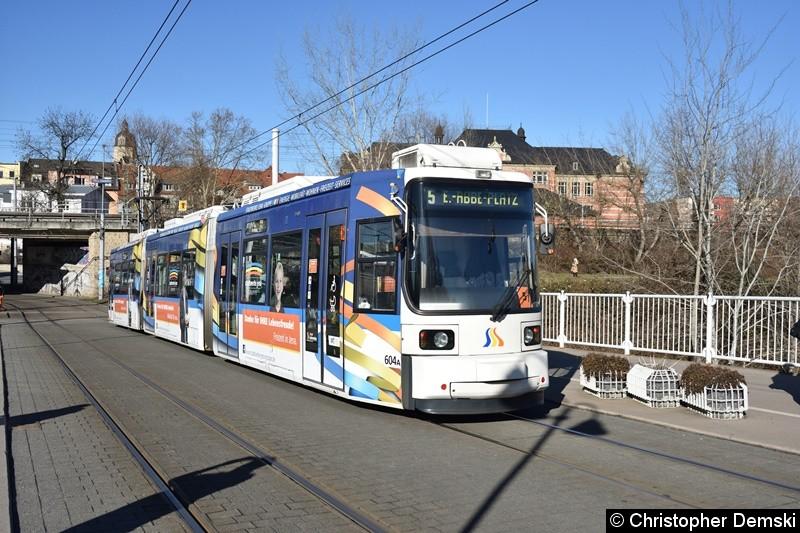 TW 604 als Linie 5 kurz vor der Haltestelle Paradiesbahnhof