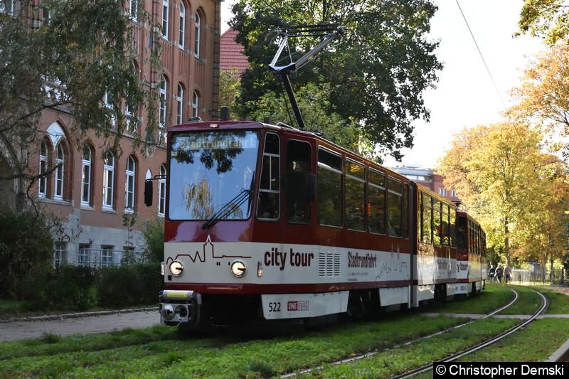 TW 522+530 als Stadtrundfahrt am Brühler Garten.