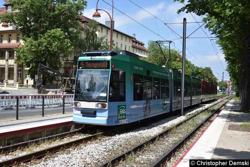 TW 615+613 als Linie 5 an der Haltestelle Humboldtstraße.