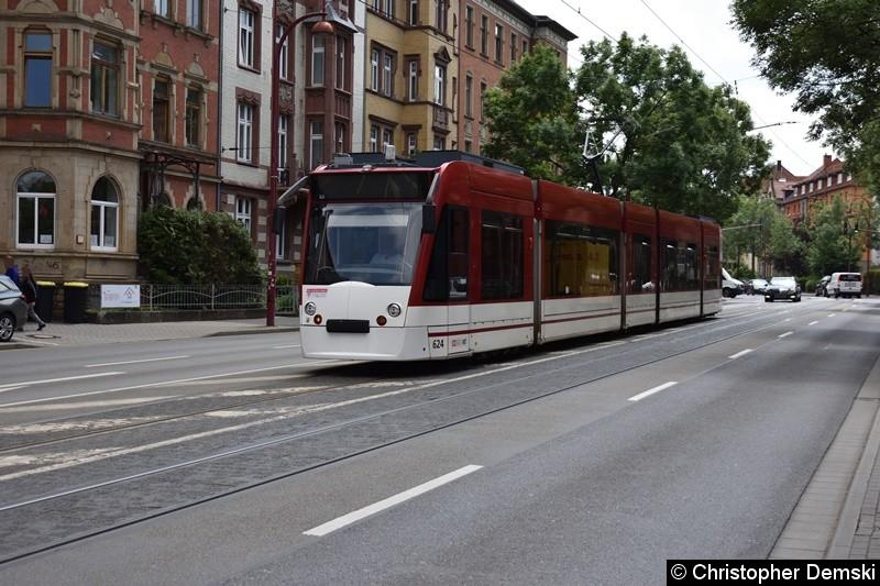 TW 624 als Linie 1 in der Arnstädter Straße auf den Weg zur Haltestelle Kaffeetrichter.
