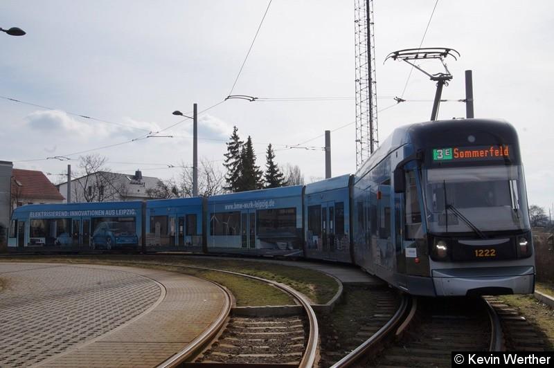 TW 1222 als Linie 3E in der Wendeschleife Knautkleeberg zur Rückfahrt nach Sommerfeld