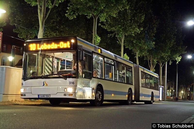 Wagen 316 als Linie 10 an der Haltestelle Stadtzentrum, Löbdergraben.
