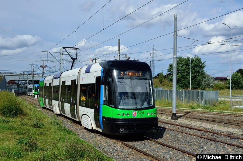 Wagen 807 als Linie 2 kurz vor der Haltestelle Turkosowa.