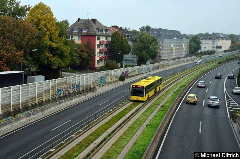 Bus 4672 als Linie 146 zwischen den Haltestellen Oberschlesienstraße und Wasserturm.