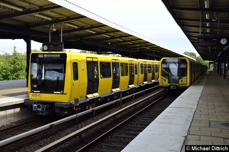Links 1035 + 1034 (Ik für den Großprofil) und 5038 (H-Zug) in Wuhletal.