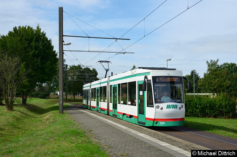 1381 als Linie 6 an der Endhaltestelle Diesdorf.